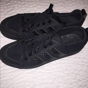Adidas sneakers size 7 1/2